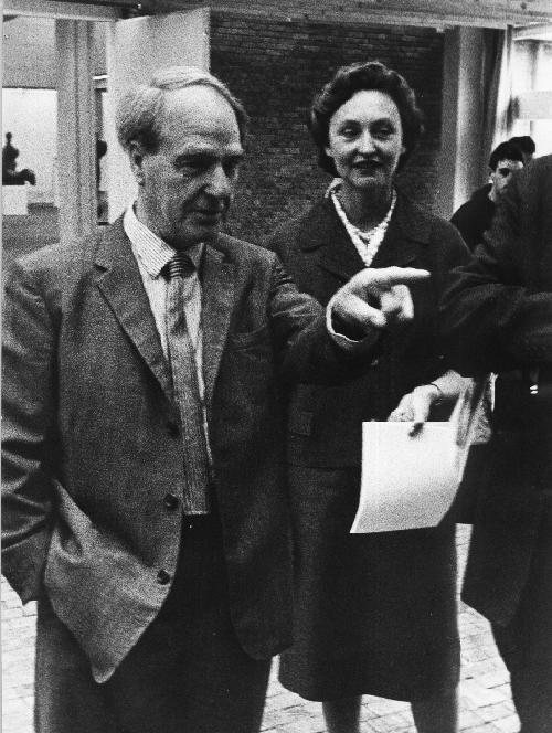 Werner Eckelt - - Henry MOORE - Ein Portrait 1961 - Rückwärtig handschriftlich bezeichnet kopen? Bied vanaf 180!