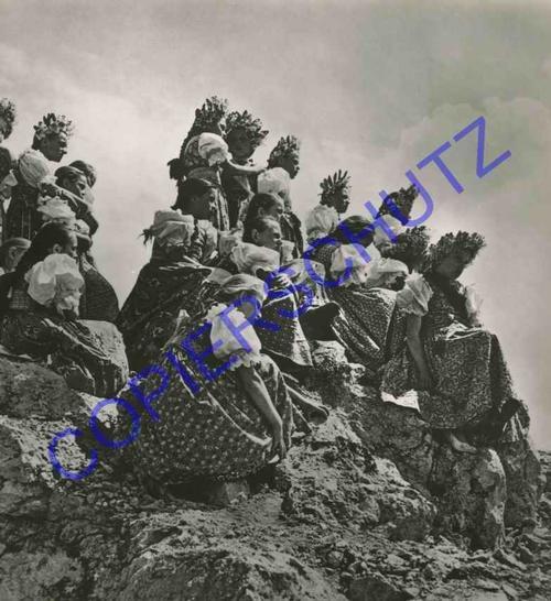 Karel Plicka - BÄNDERGESCHMÜCKTE MÄDCHEN OriginalFotographie des bedeutenden Fotographen der TSCHECHISCHEN MODERNE kopen? Bied vanaf 120!
