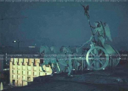 Andrè Rival - - BERLIN BRANDENBURGER TOR - Brillante OriginalFotographie 1999 a. CopyrightProtected KODAK Profes. kopen? Bied vanaf 280!
