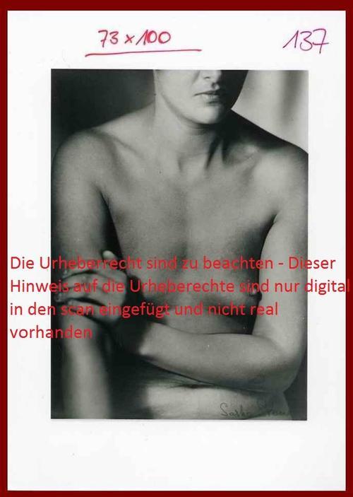 Sasha Stone - Fotografie a.d.Serie FEMMES 1933 des DADA-Collagisten vor 1932 - Musealer Abzug auf Baryt um 1989 kopen? Bied vanaf 120!