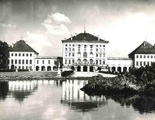 Paul W. John - Fotografiert DEUTSCHLAND : MÜNCHEN - SCHLOß NYMPHENBURG - Der MITTELBAU - Handabzug des FOTOGRAFEN kopen? Bied vanaf 48!