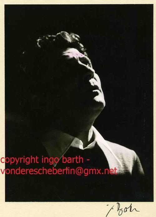 Ingo Barth - Handsigniertes Portrait: Chansonnier Gilbert BECAUD Handabzug des Fotographen - VINTAGE kopen? Bied vanaf 125!