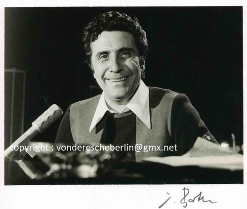 Ingo Barth - Handsigniertes Portrait: Chansonnier Gilbert BECAUD Handabzug des Fotographen - VINTAGE kopen? Bied vanaf 95!