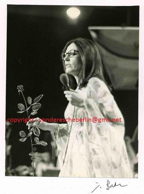 Ingo Barth - Handsigniertes Portrait: Sängerin Nana MOUSKOURI - Handabzug des Fotographen - VINTAGE kopen? Bied vanaf 95!