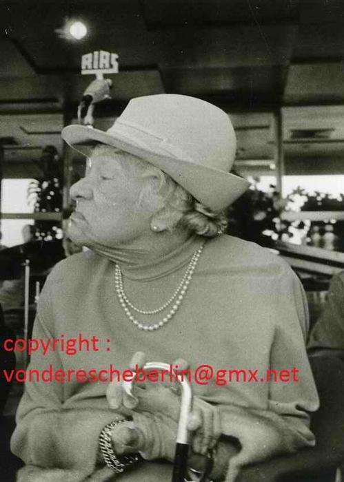 Ingo Barth - Handsigniertes Portrait: Tilla DURIEUX - Handabzug des Fotographen - VINTAGE kopen? Bied vanaf 120!