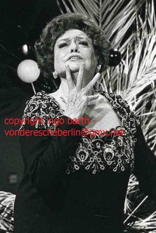 Ingo Barth - Handsigniertes Portrait: ZARAH LEANDER - OriginalFotographie Handabzug des Fotographen - VINTAGE kopen? Bied vanaf 90!