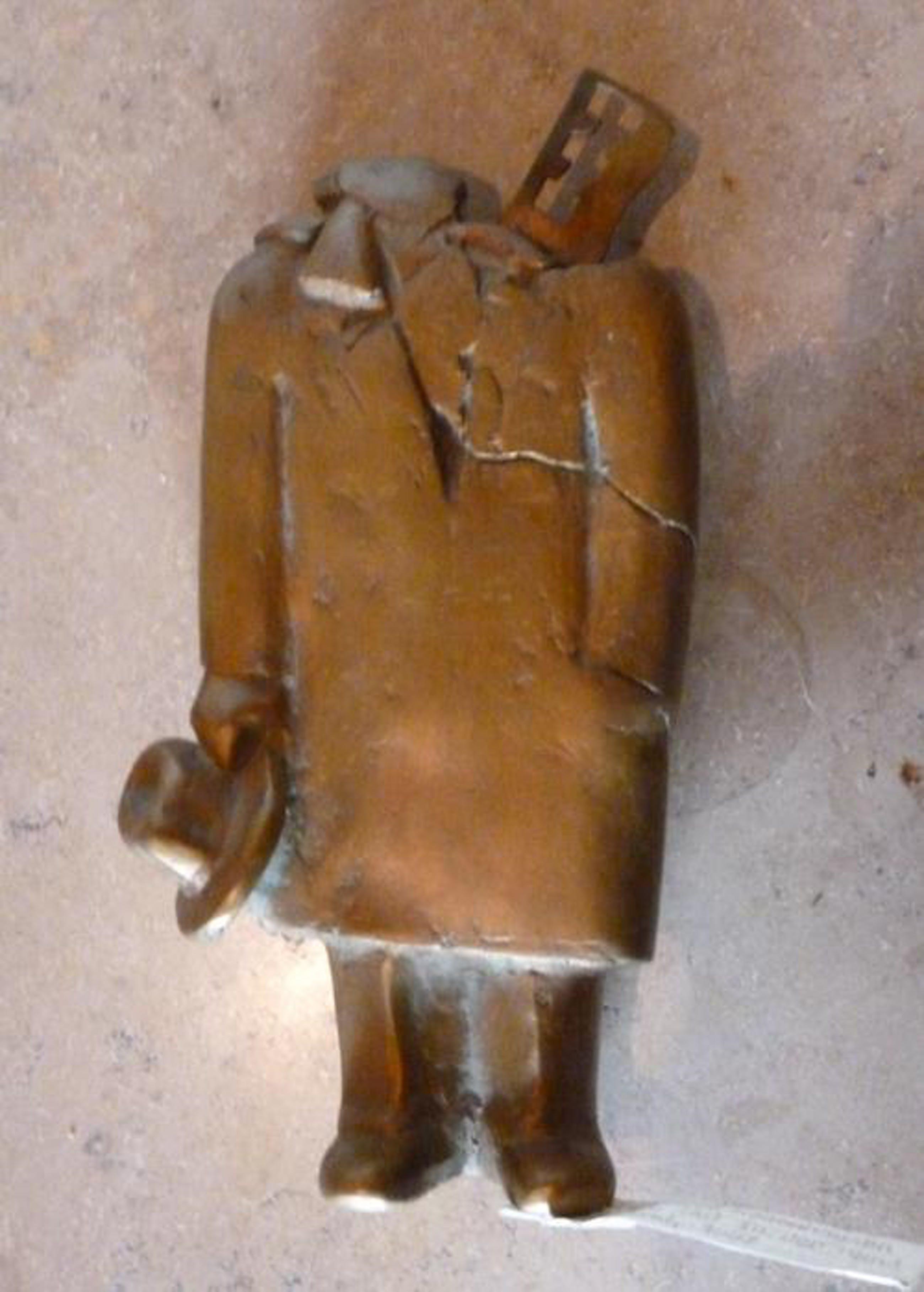 Siegfried Neuenhausen - Mann, Hut in der Hand haltend, Bronze, 1987 kopen? Bied vanaf 740!
