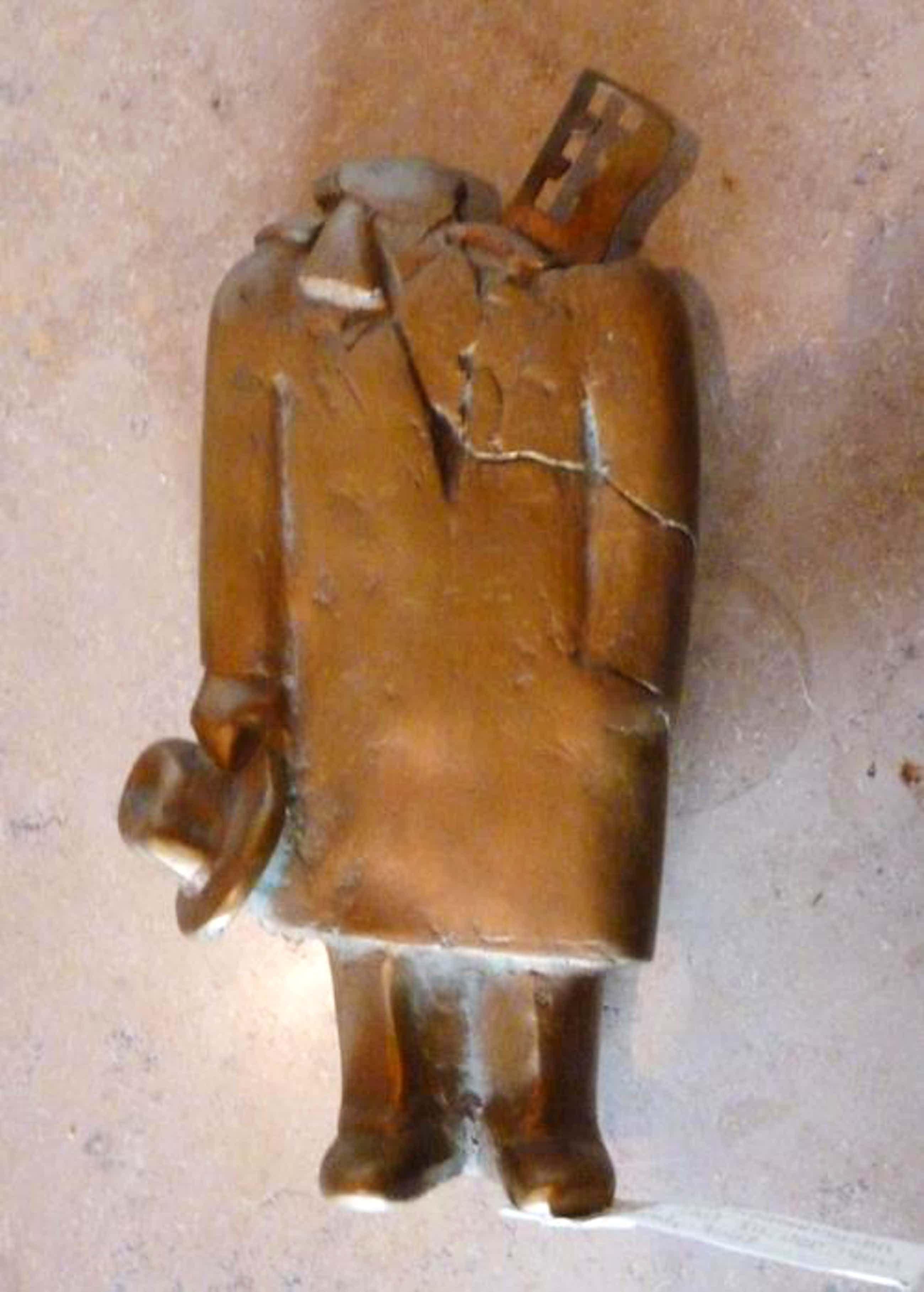 Siegfried Neuenhausen - Mann, Hut in der Hand haltend, Bronze, 1987 kopen? Bied vanaf 600!