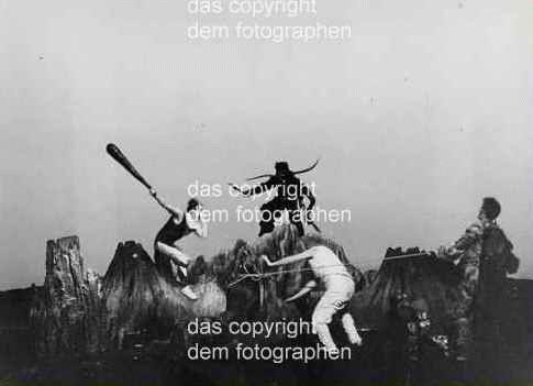 Vera Tenschert - Peter HACKS OMPHALE - am Berliner Ensemble - 1972 OriginalFotographie der WEIGEL-Hausfotografin kopen? Bied vanaf 110!