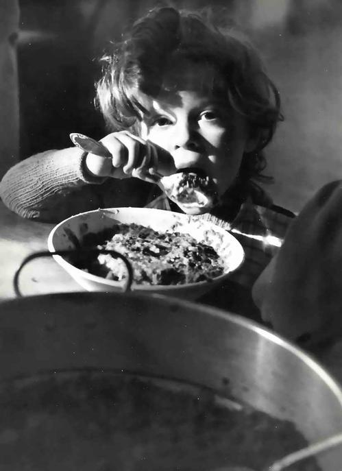 Werner Bischof - PETIT FUGITIV - Foto des SCHWEIZER MAGNUM-Fotographen & FINSLER-Schülers - KLEINER FLÜCHTLING kopen? Bied vanaf 42!