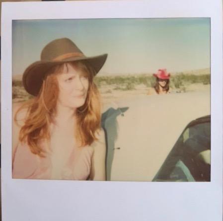 """Stefanie Schneider - Polaroid / Unikat 1/1 """"Untitled"""" (two girls) WVZ 18725.01 kopen? Bied vanaf 800!"""