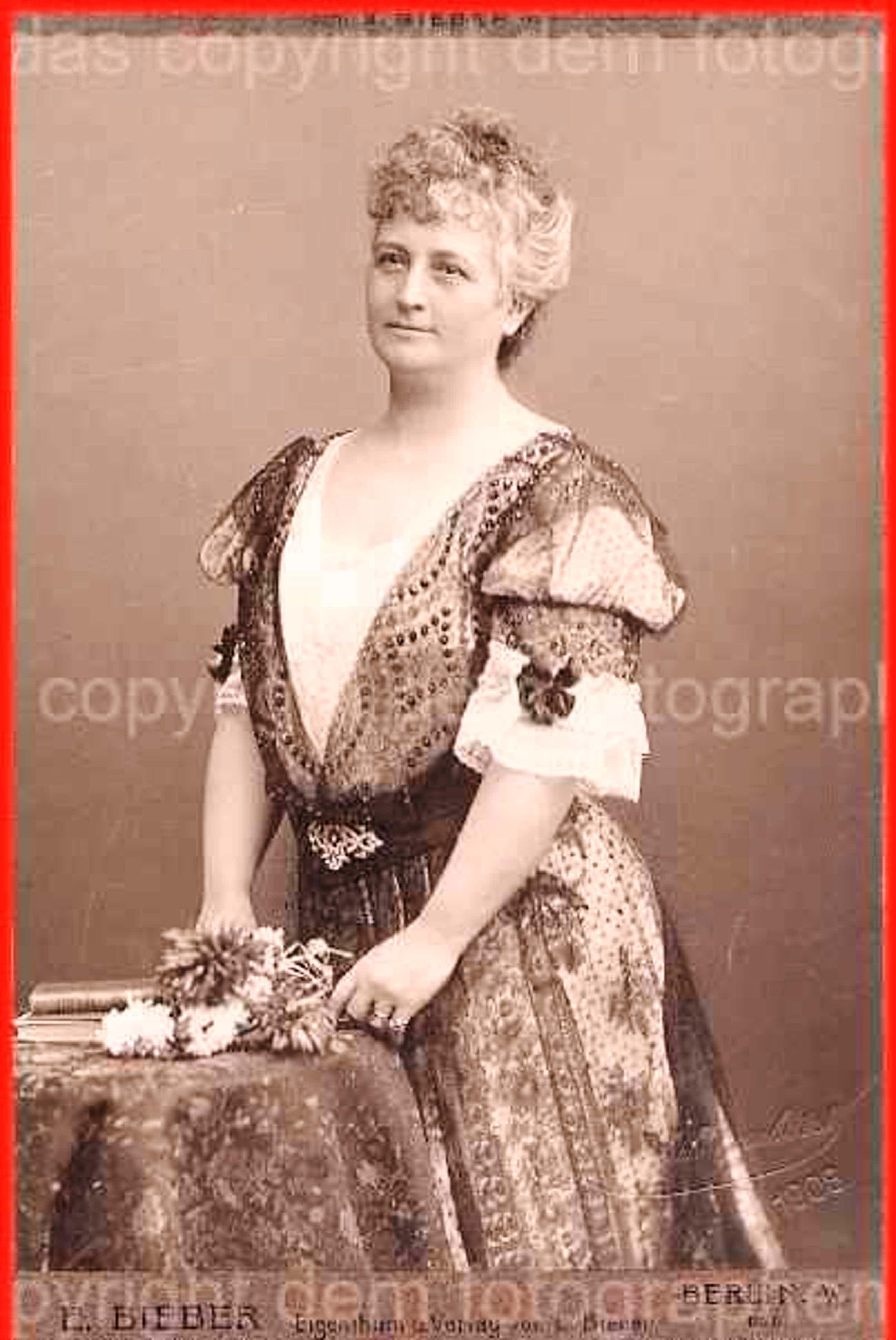 Emil Bieber - PORTRAIT einer DAME - 1908 - Feines KabinettPhoto des 1935 vor den NS geflohenen HOFPHOTOGRAPHEN kopen? Bied vanaf 95!