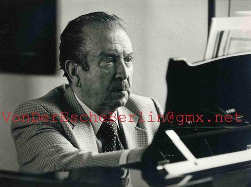 Werner Neumeister - PORTRAIT: Pianist Claudio ARRAU - Handsignierte OriginalFotographie des MÜNCHENer STARFOTOGRAPHEN kopen? Bied vanaf 160!