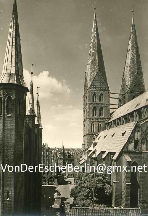 Wilhelm Castelli - RATHAUSTÜRME & MARIENKIRCHE i.LÜBECK 1930 - OriginalFotographie des bedeutenden LÜBECKer Fotographen kopen? Bied vanaf 45!
