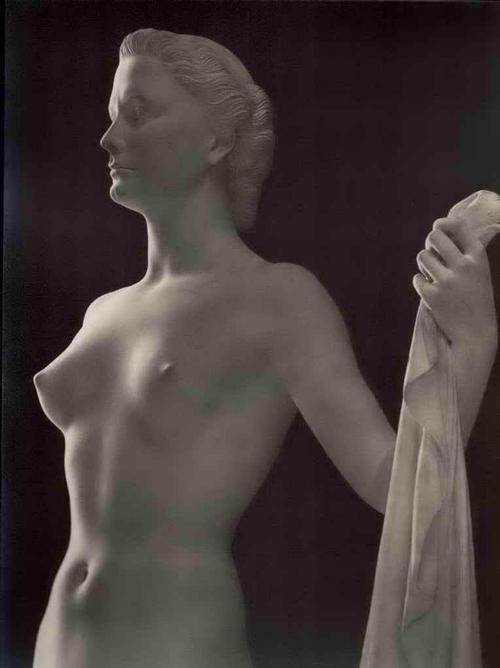 Arno Breker - SCHREITENDE - Charlotte ROHRBACH 1944 - BromSilberAbzug 30 x 40 cm VINTAGE kopen? Bied vanaf 190!