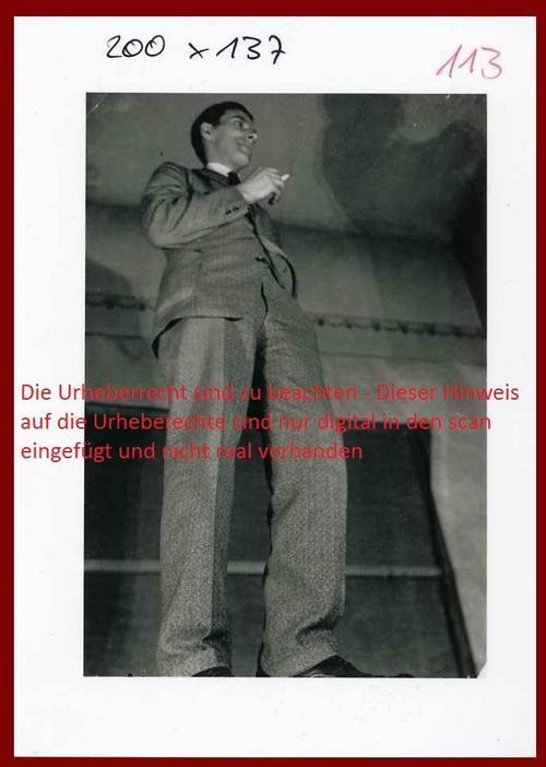 Sasha Stone - SELBSTPORTRAIT des DADA-Collagisten vor 1932 - Musealer Abzug auf Baryt um 1989 (Berlin.Paris.USA) kopen? Bied vanaf 120!