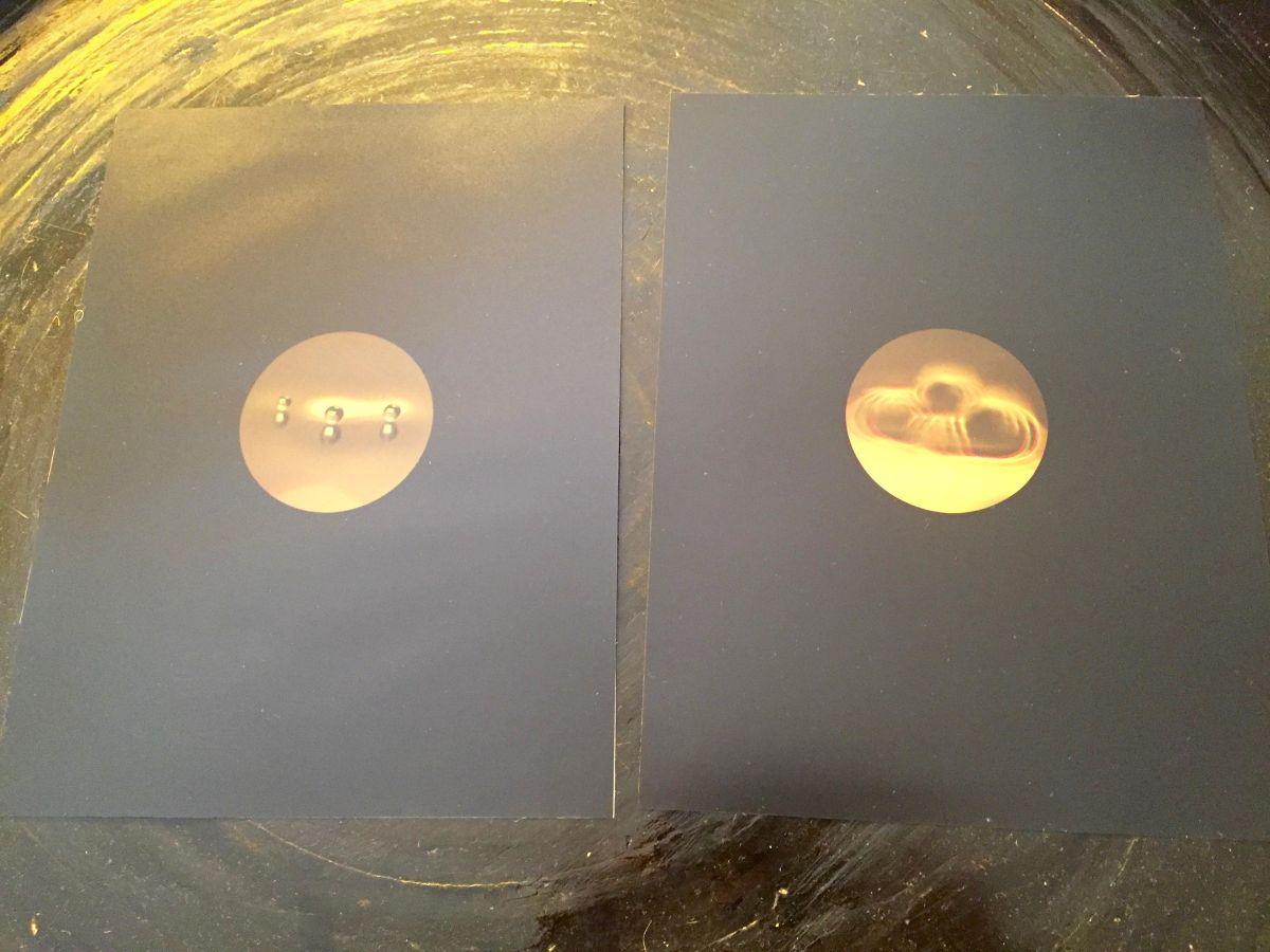 Tauba Auerbach - Set von 2 c-prints, Aufl. nur 50, handsigniert, datiert, nummeriert auf einer der Arbeiten kopen? Bied vanaf 900!