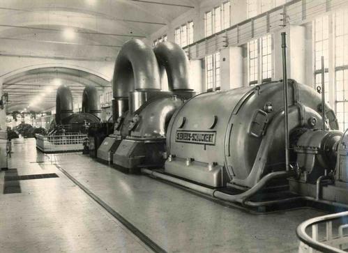 Ferdinand Bimpage - SIEMENS-SCHUCKERT Maschinenhalle - Handsignierte Original-Industriefotographie - 1950 - Vintage kopen? Bied vanaf 320!