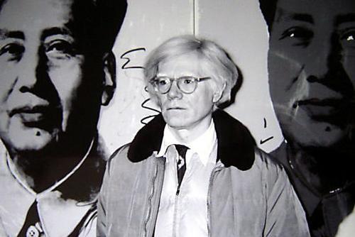 Andy Warhol - s / w - Foto, Portrait fontal, vor Bilderwand, 20,5 x 30,5 cm, 14. November 1980 in Stuttgart kopen? Bied vanaf 29!