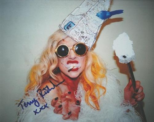 Terry Richardson - TERRY RICHARDSON Farbfotografie handsigniert LADY GAGA WILD KOSTÜMIERT ! ! kopen? Bied vanaf 699!