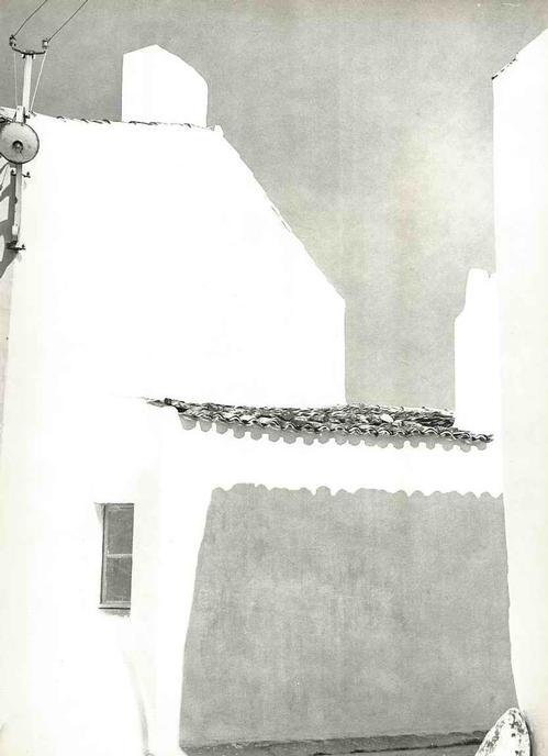 Werner Bischof - WEISSES HAUS - Fotographie des SCHWEIZER MAGNUM-Fotographen & FINSLER-Schülers: MAISON BLANCHE 1946 kopen? Bied vanaf 38!