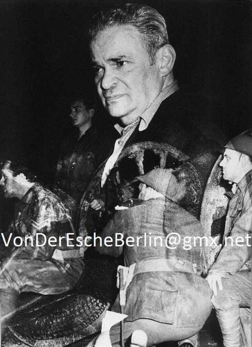 Werner Eckelt - Werner ECKELT: REGIE FRITZ KORTNER Portrait in DOPPELBELICHTUNG mit THEATERSCENE kopen? Bied vanaf 450!