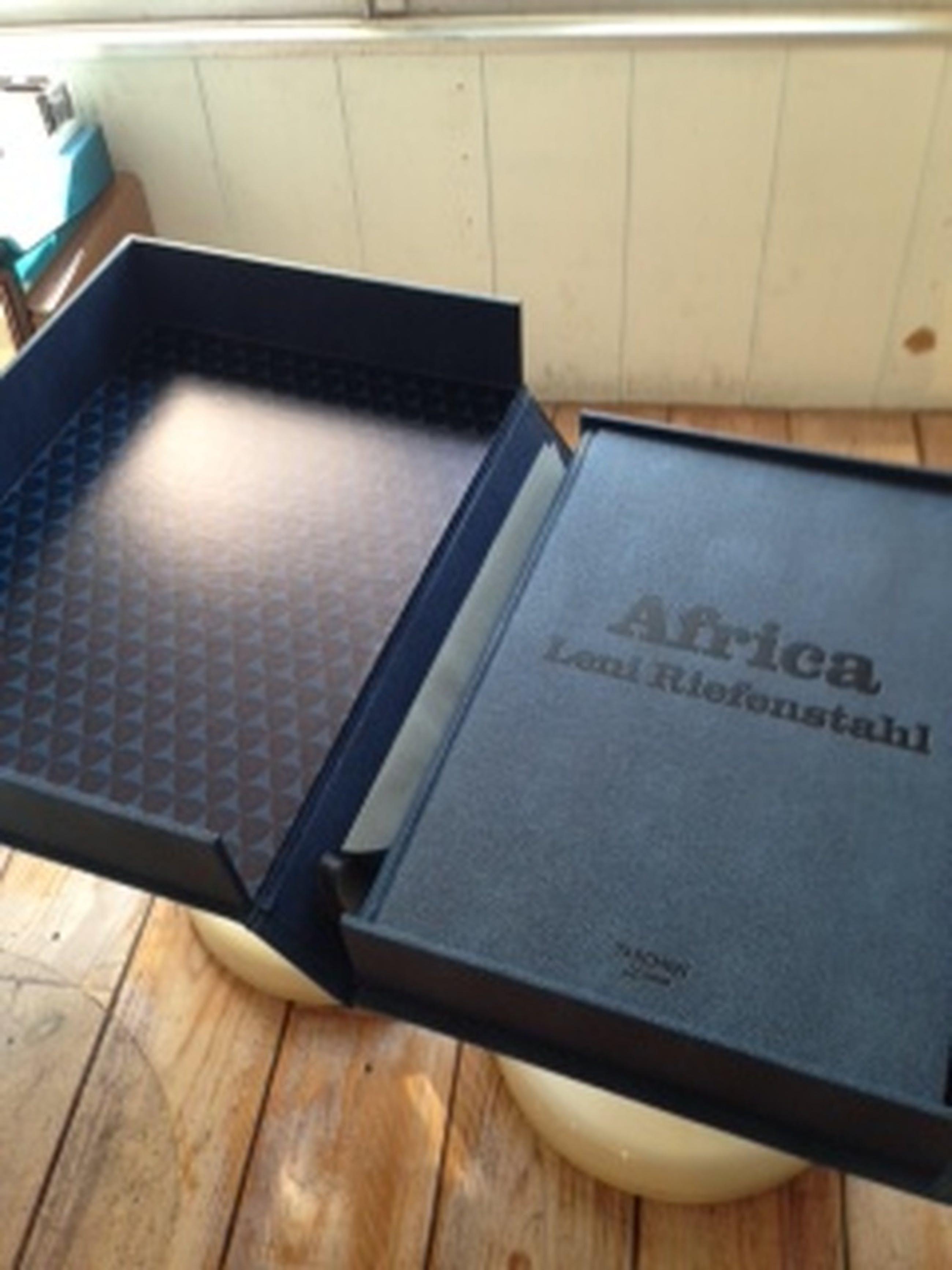 Leni Riefenstahl: AFRIKA. Gesigneerd en genummerd. Taschen Limited Edition kopen? Bied vanaf 1500!