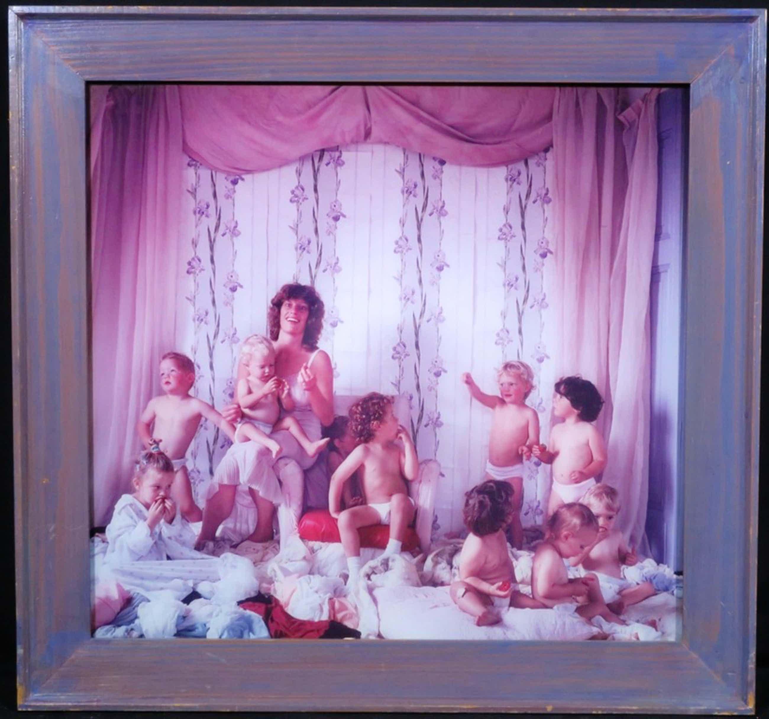 Margriet Smulders: Foto op dibond, Rianda met 10 kindjes - Ingelijst kopen? Bied vanaf 70!