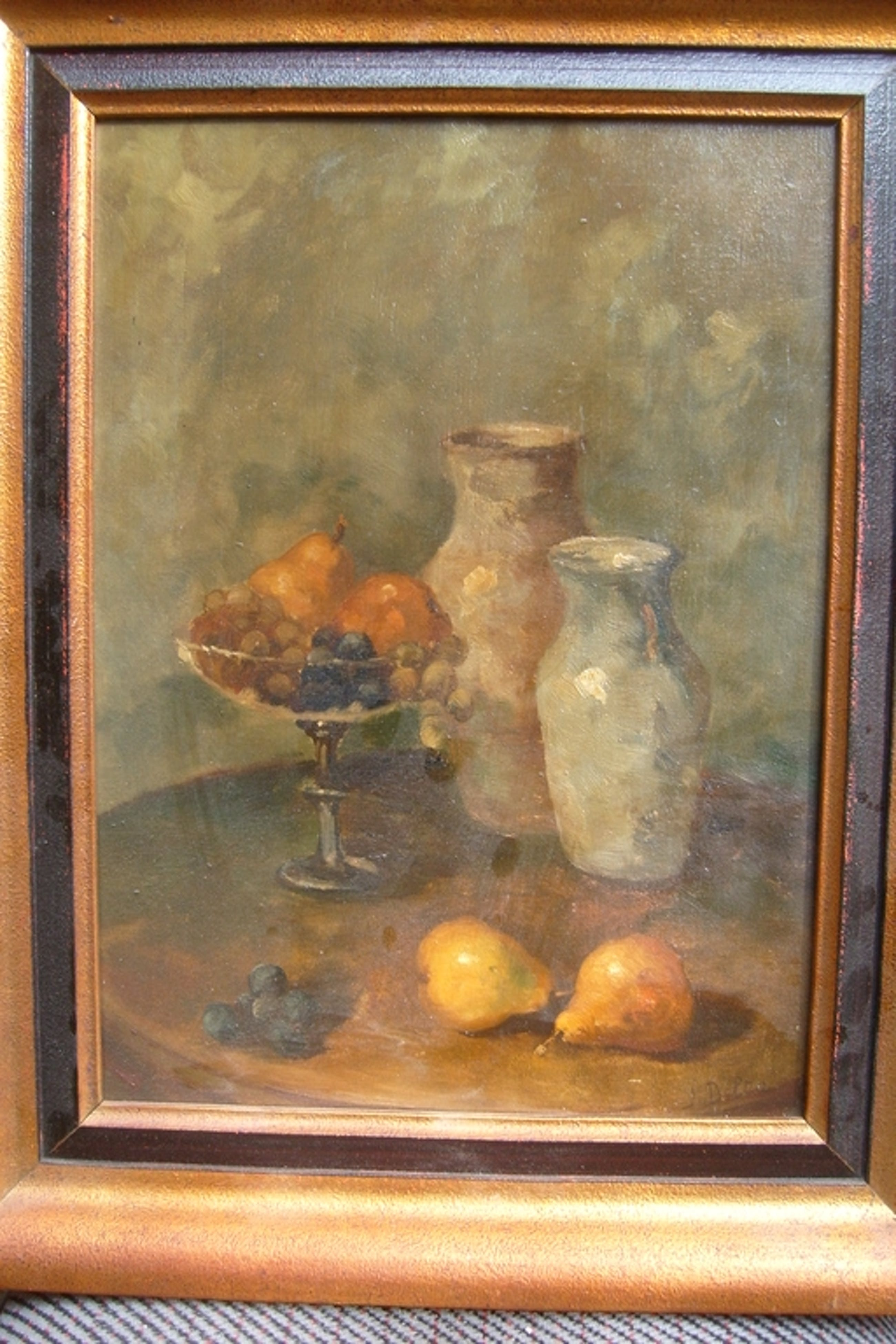 J.Delta, stilleven, twee vazen met glazen bowl met fruit kopen? Bied vanaf 25!