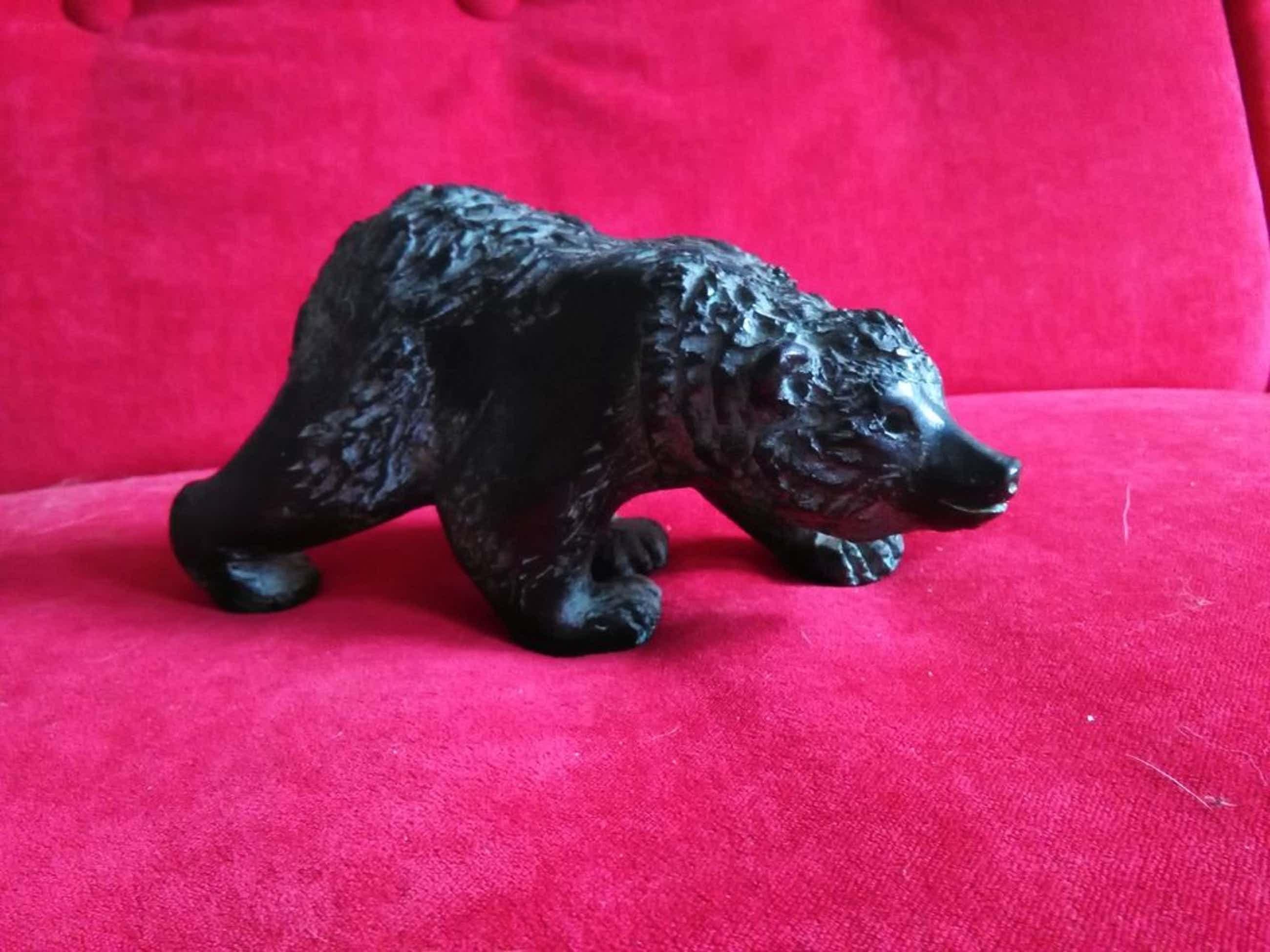 Hetty Heyster: Bronzen beeldje, jonge ijsbeer kopen? Bied vanaf 350!