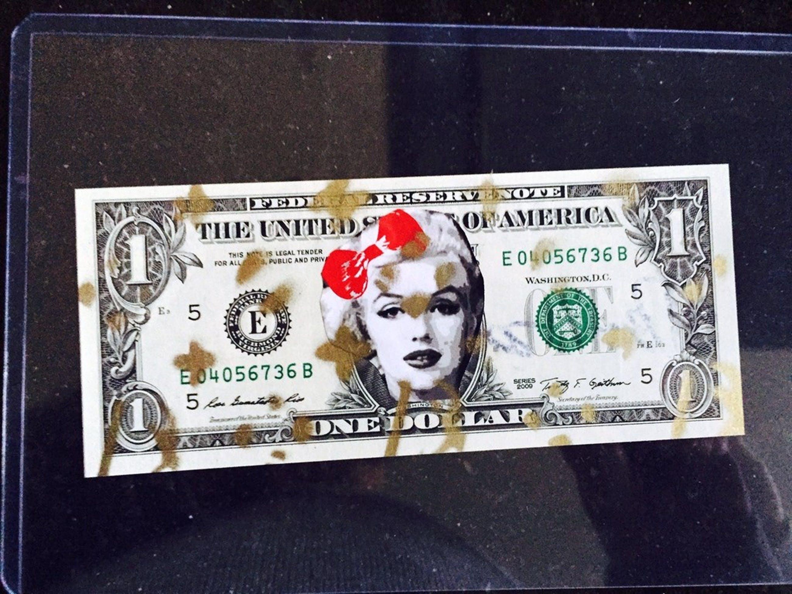 DEATH NYC - Marilyn Monroe,  street-art op $1 biljet - 'Marilyn' - 2013 kopen? Bied vanaf 50!