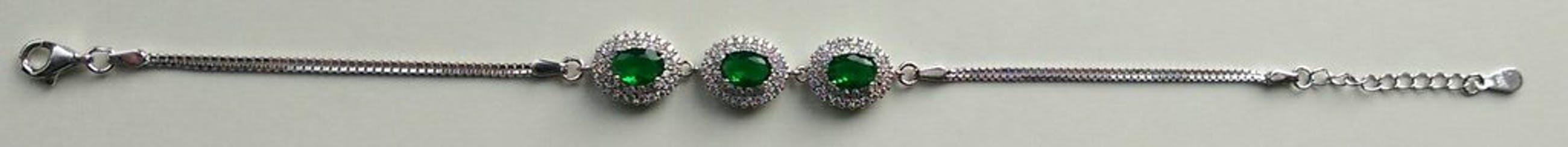Zilveren armband met emerald(smaragd) kopen? Bied vanaf 45!