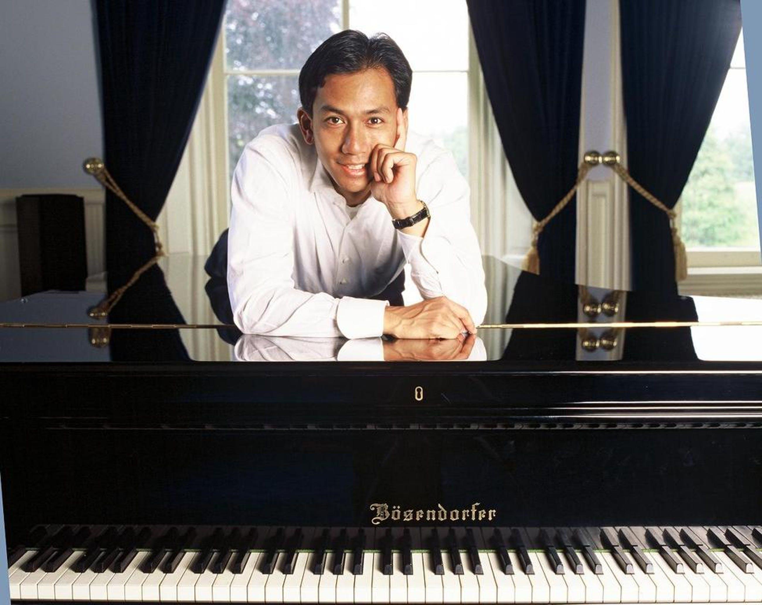 Kees van Citters, olie op doek, Wibi Soerjadi achter de piano kopen? Bied vanaf 950!