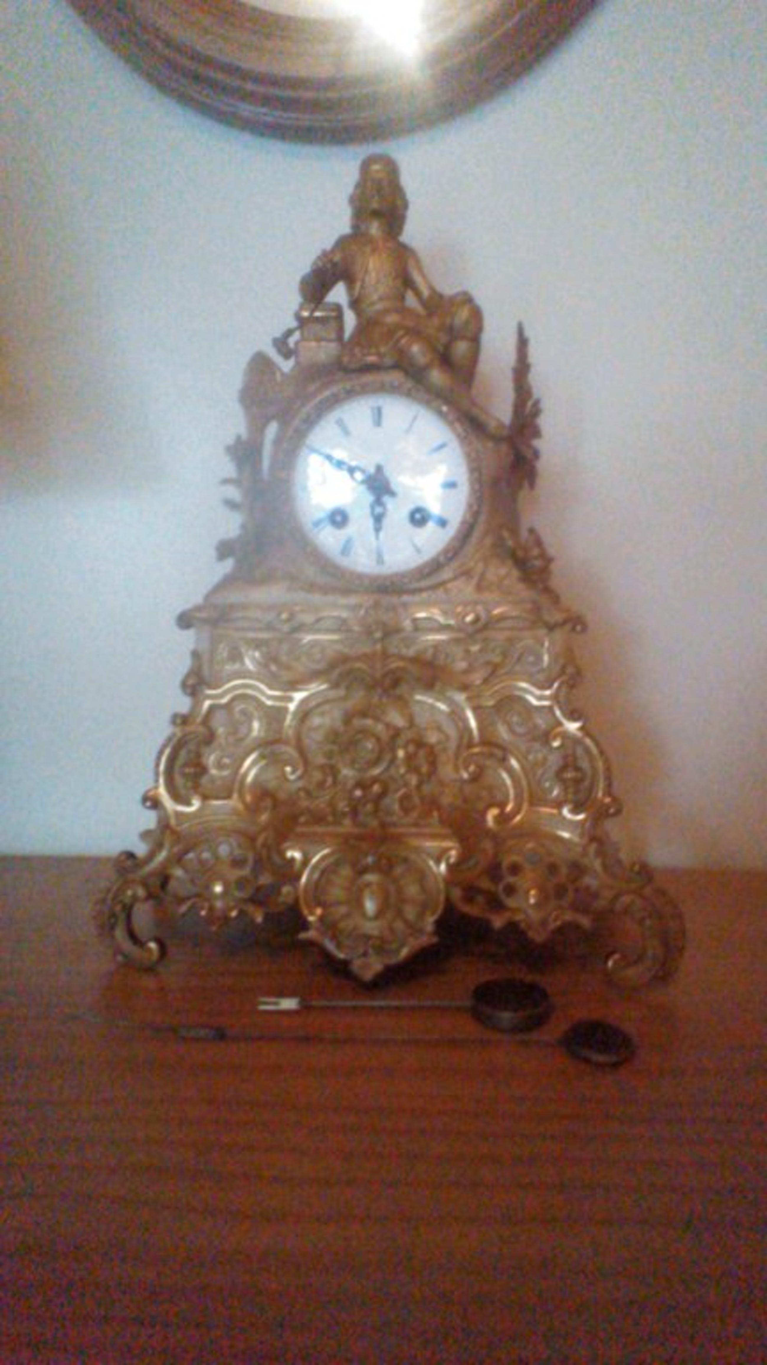 Franse klok uit de middeleeuwen. kopen? Bied vanaf 1400!