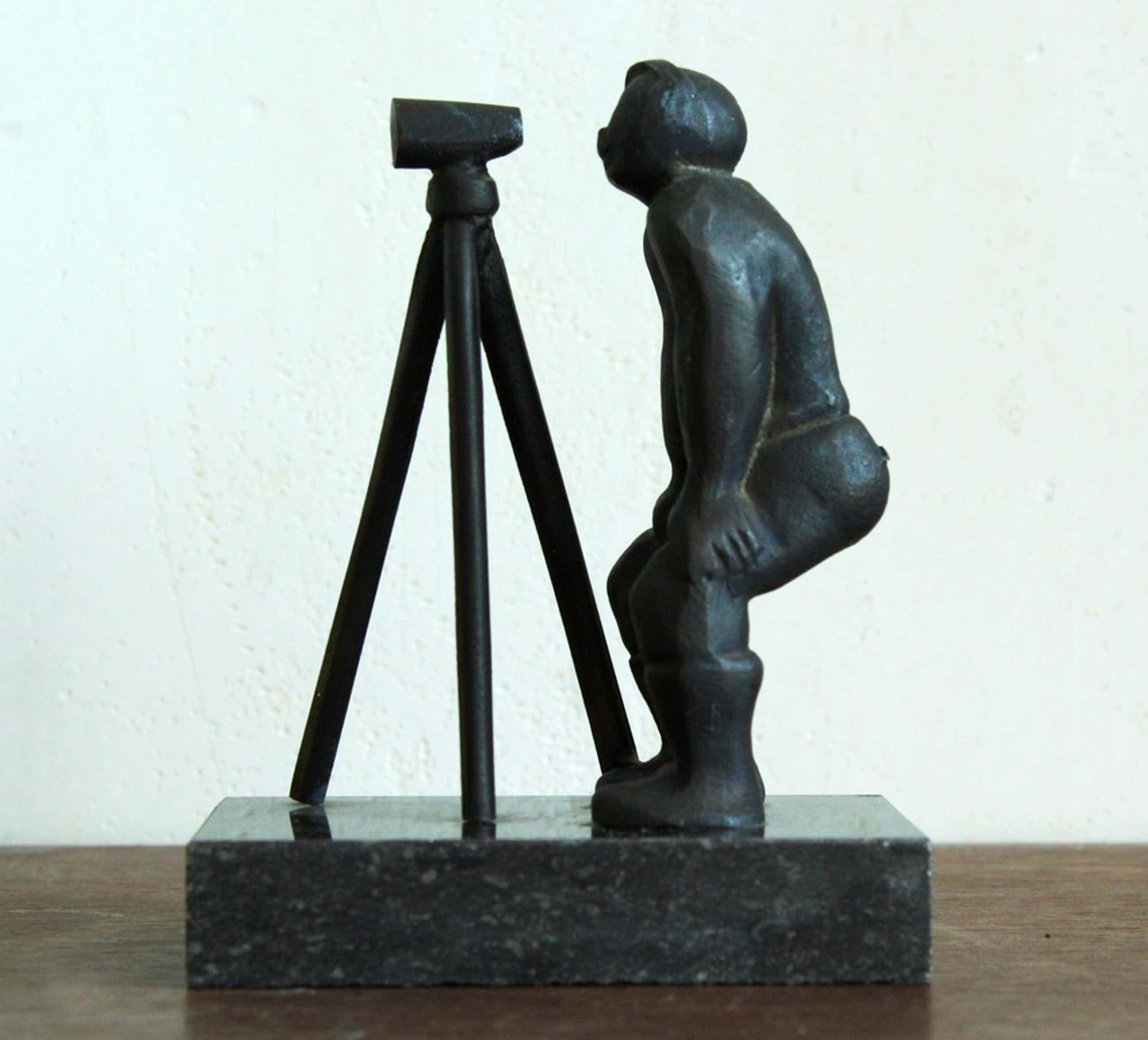 Marlies Noordkamp: Bronzen beeld, Landmeter kopen? Bied vanaf 75!
