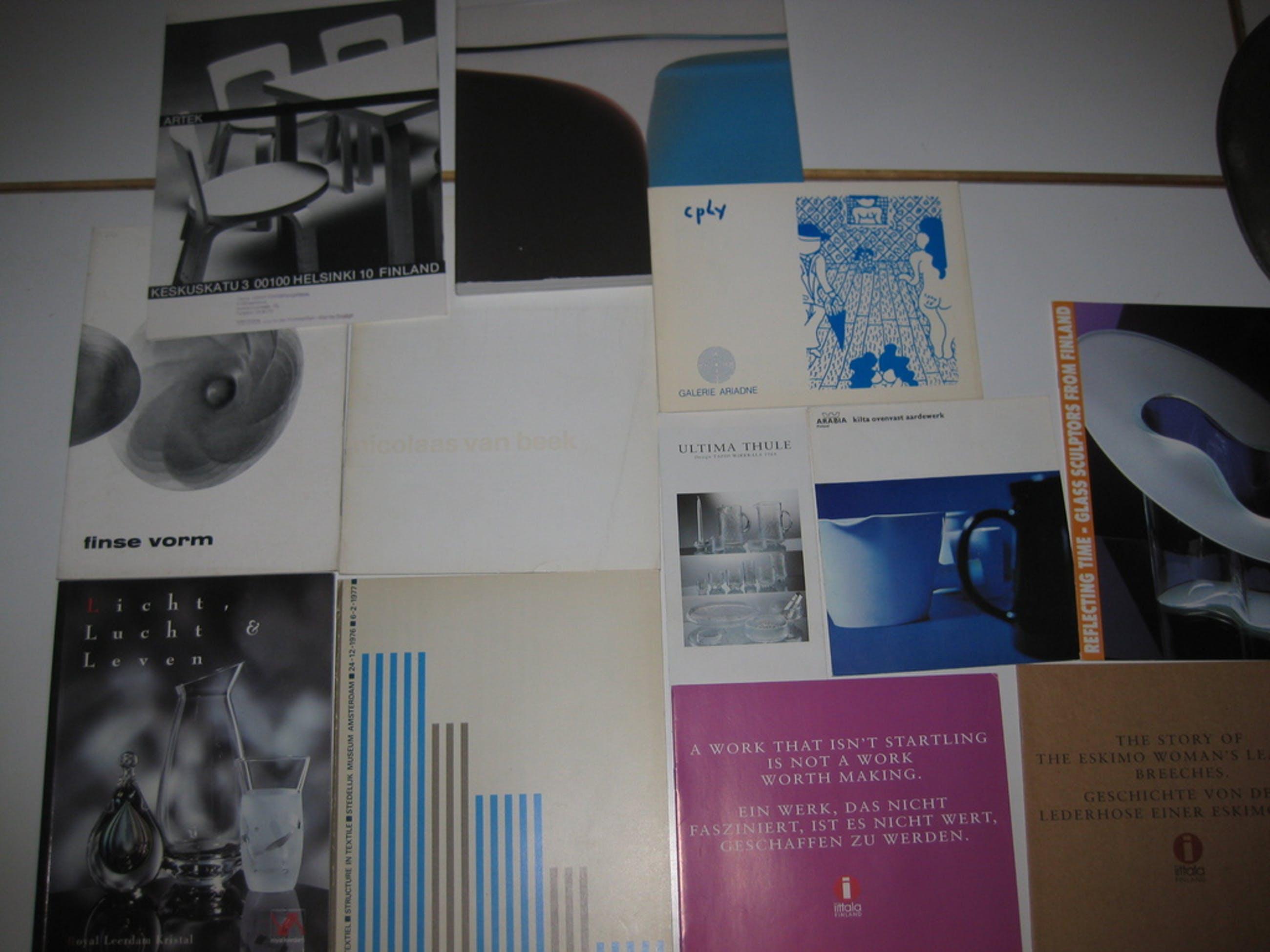 Lot diverse design catalogi - 12x - o.a. Timo Sarpaneva kopen? Bied vanaf 1!