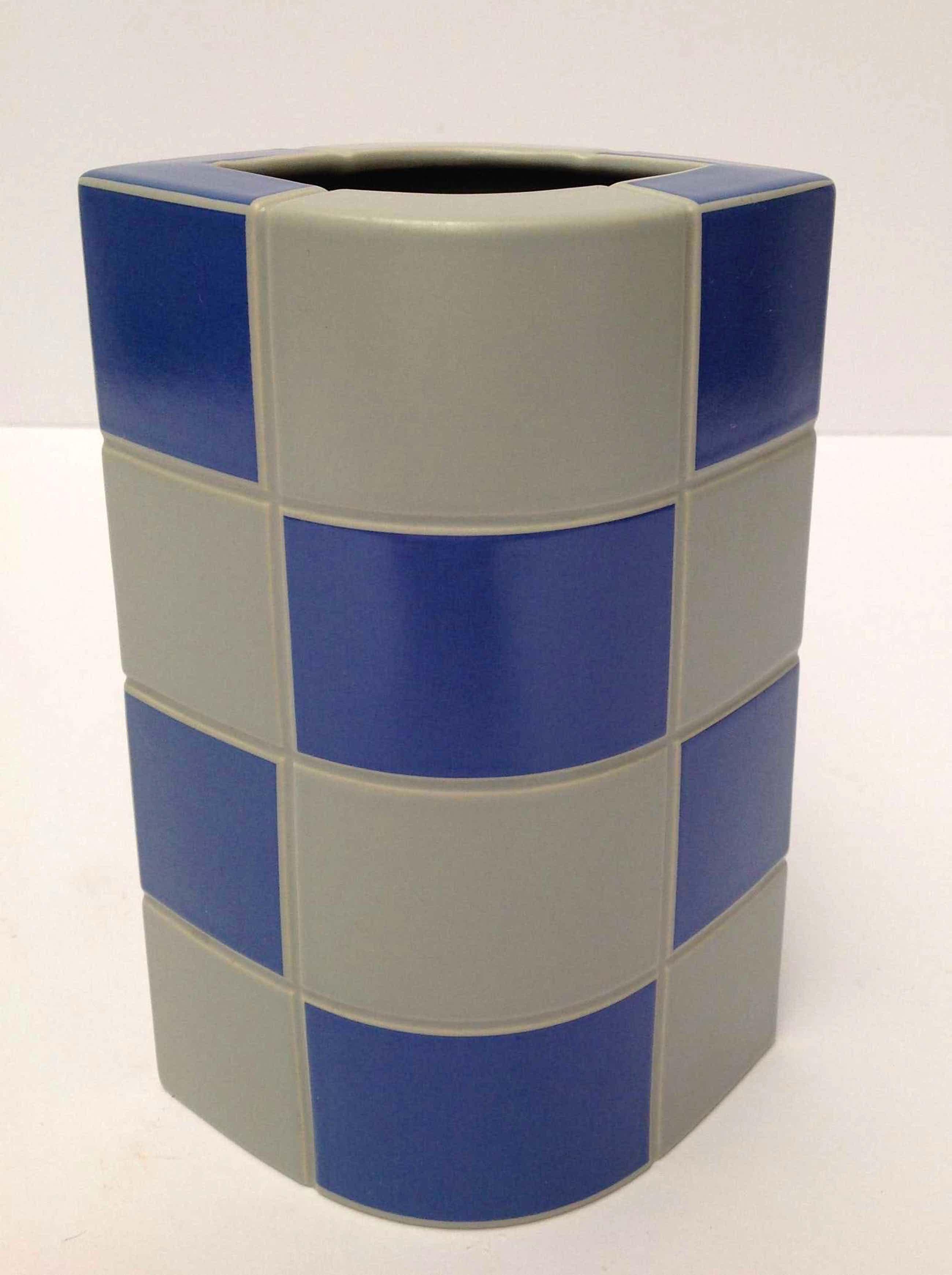 Jan van der Vaart - Schach vaas met blauwe en grijze vakken, Porselein Rosenthal  kopen? Bied vanaf 70!