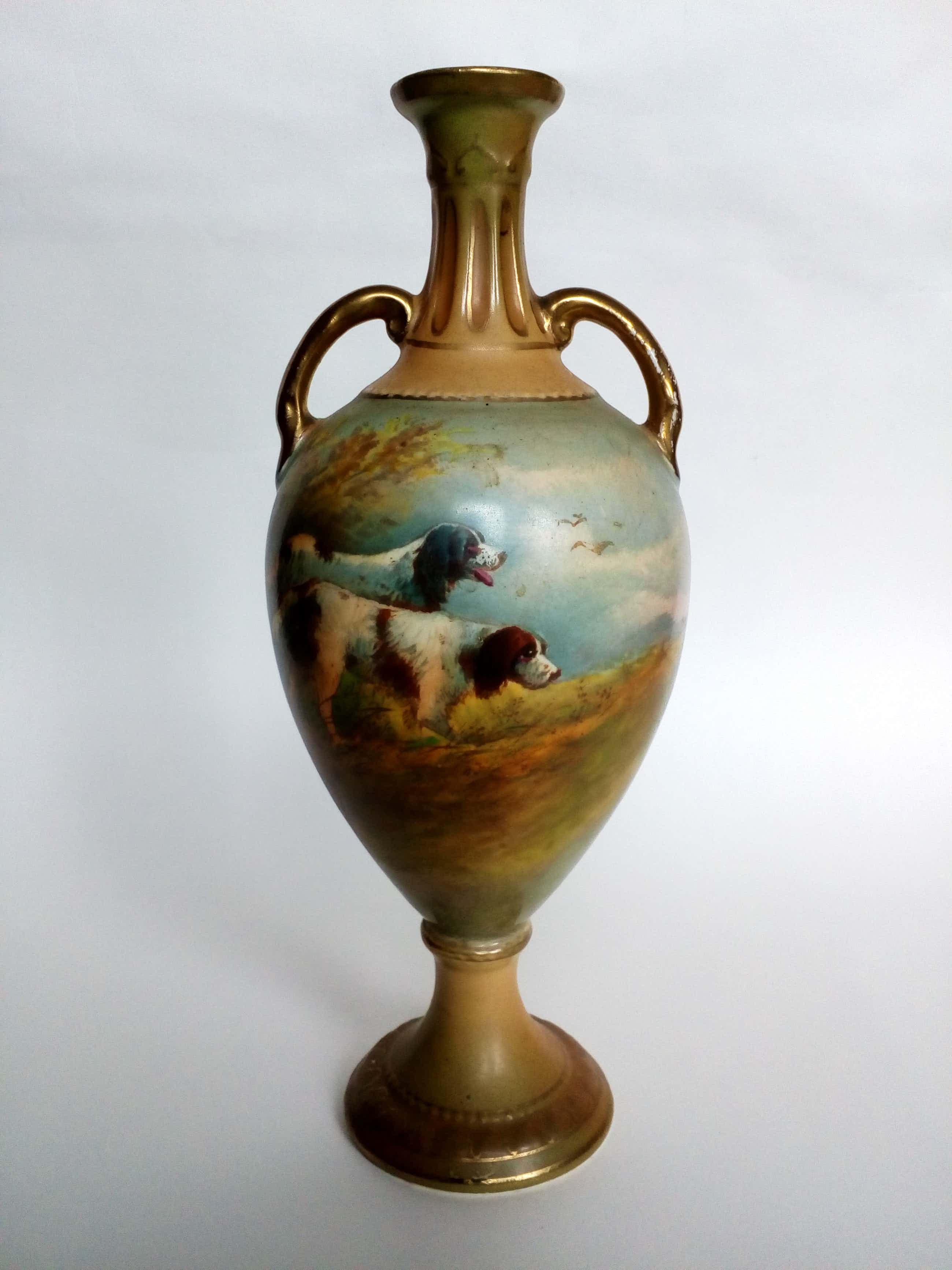 Roland Hinton Perry - Jugendstil, handgesigneerde vaas: Landschap met twee jachthonden. LAGE START!! kopen? Bied vanaf 50!