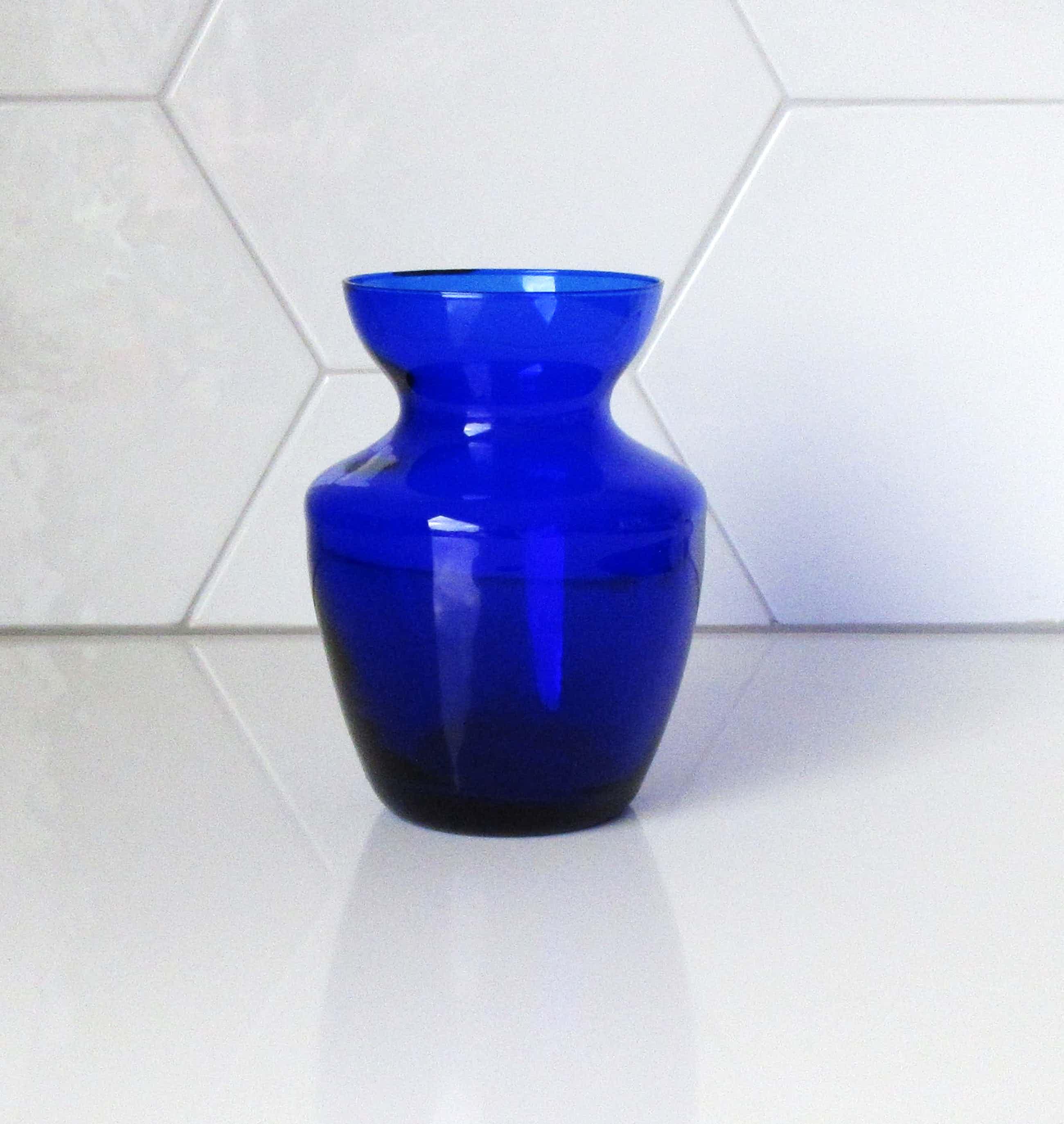 Siem van der Marel - Diepblauw tulpenvaasje - Royal Leerdam kopen? Bied vanaf 25!