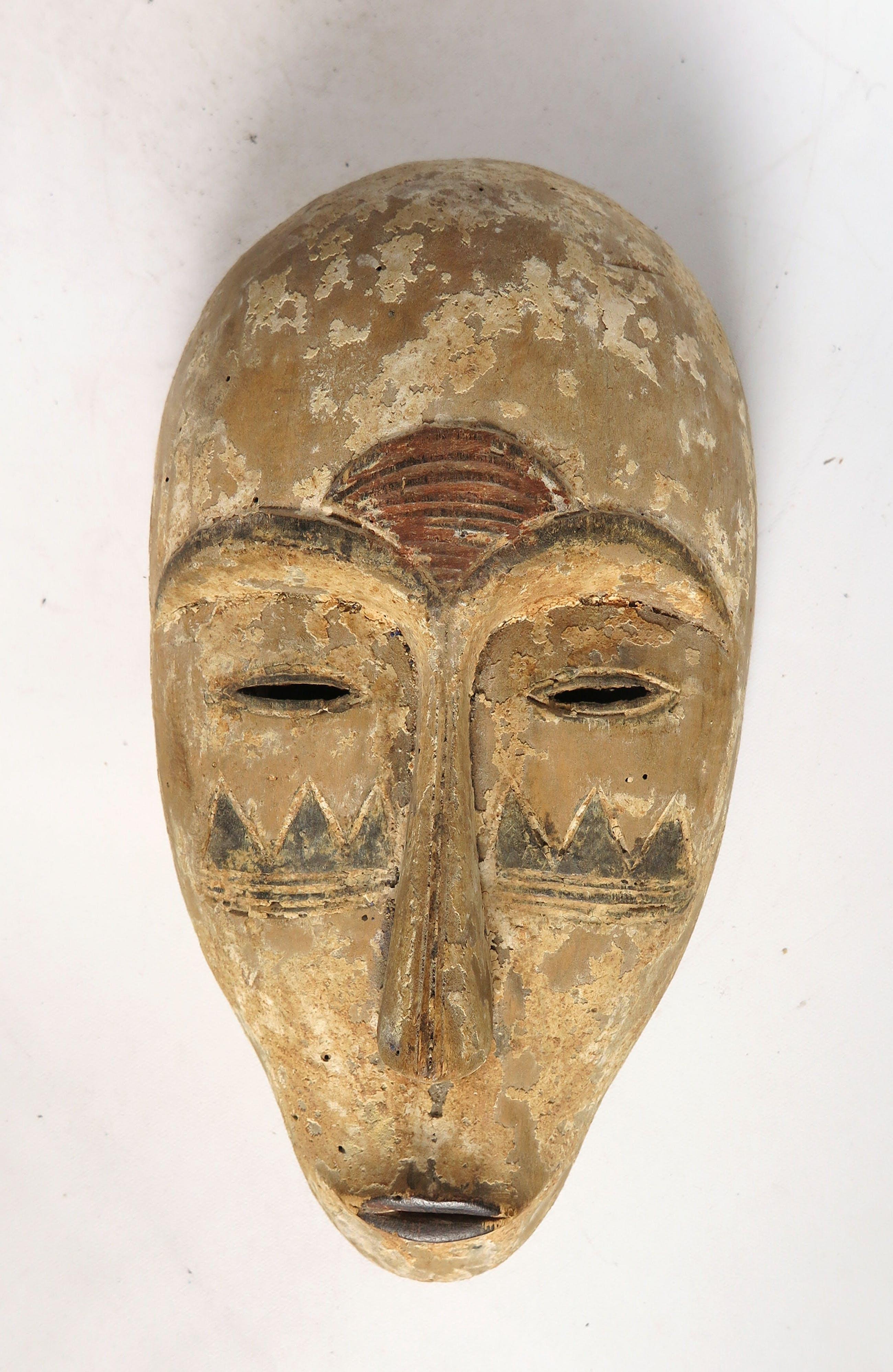 Fang - Hout, Masker met beschilderde tatoeages kopen? Bied vanaf 1!
