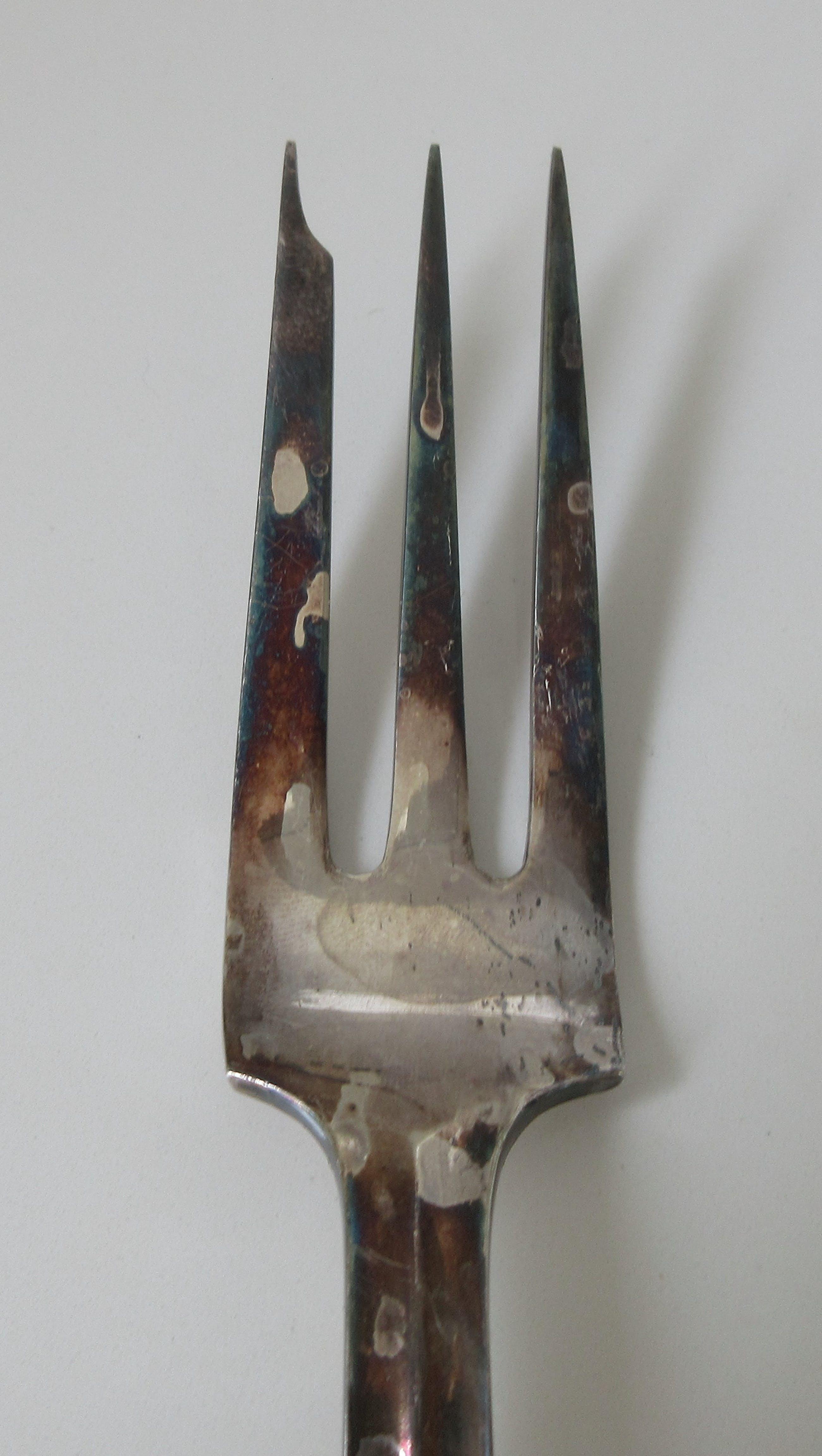 Gustav Beran - Grote verzilverde vleesvork servies P1000 - Keltum kopen? Bied vanaf 1!