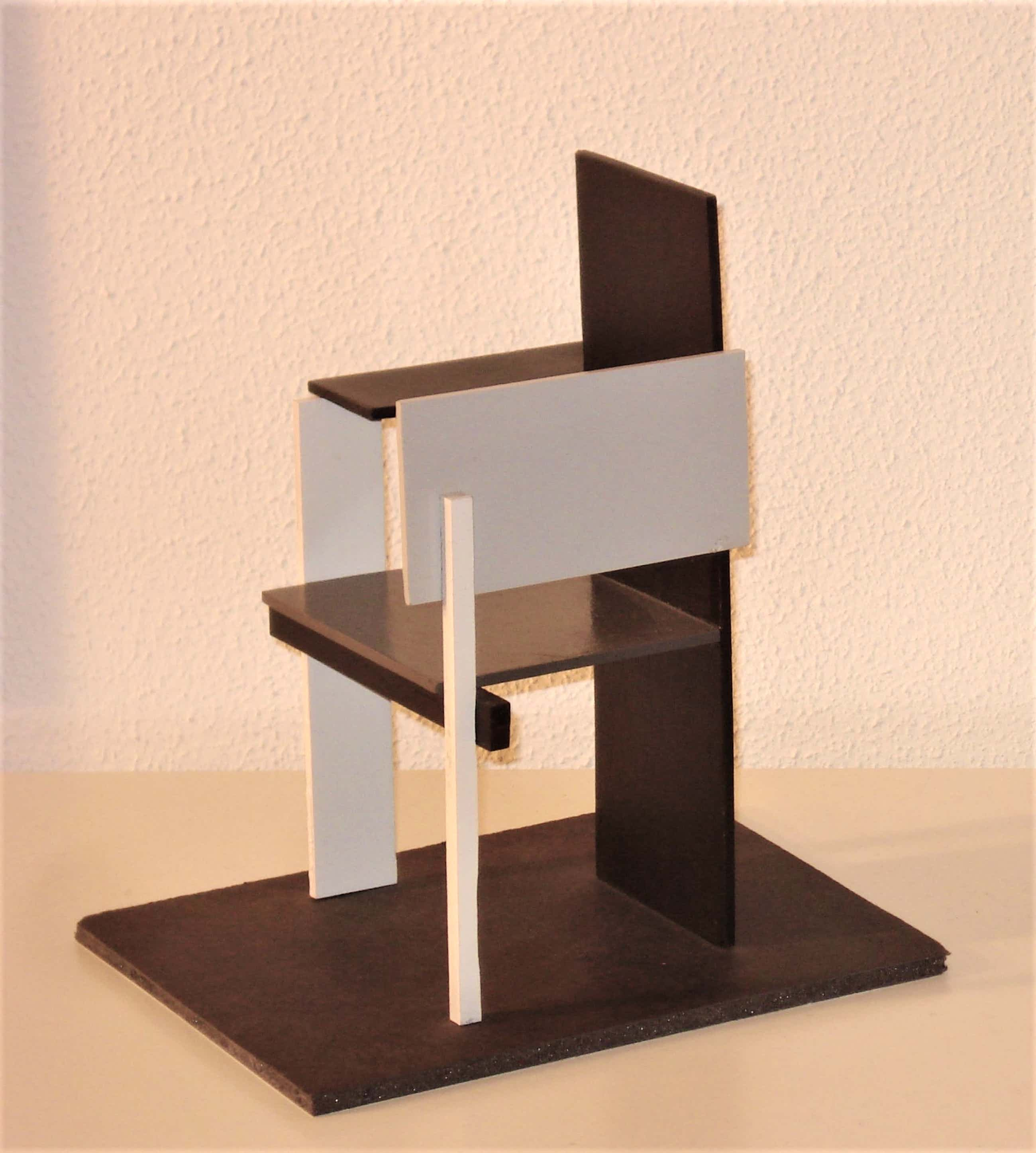 Gerrit Rietveld - Berlijnse Stoel Gerrit Rietveld, miniatuur 1:12 kopen? Bied vanaf 75!