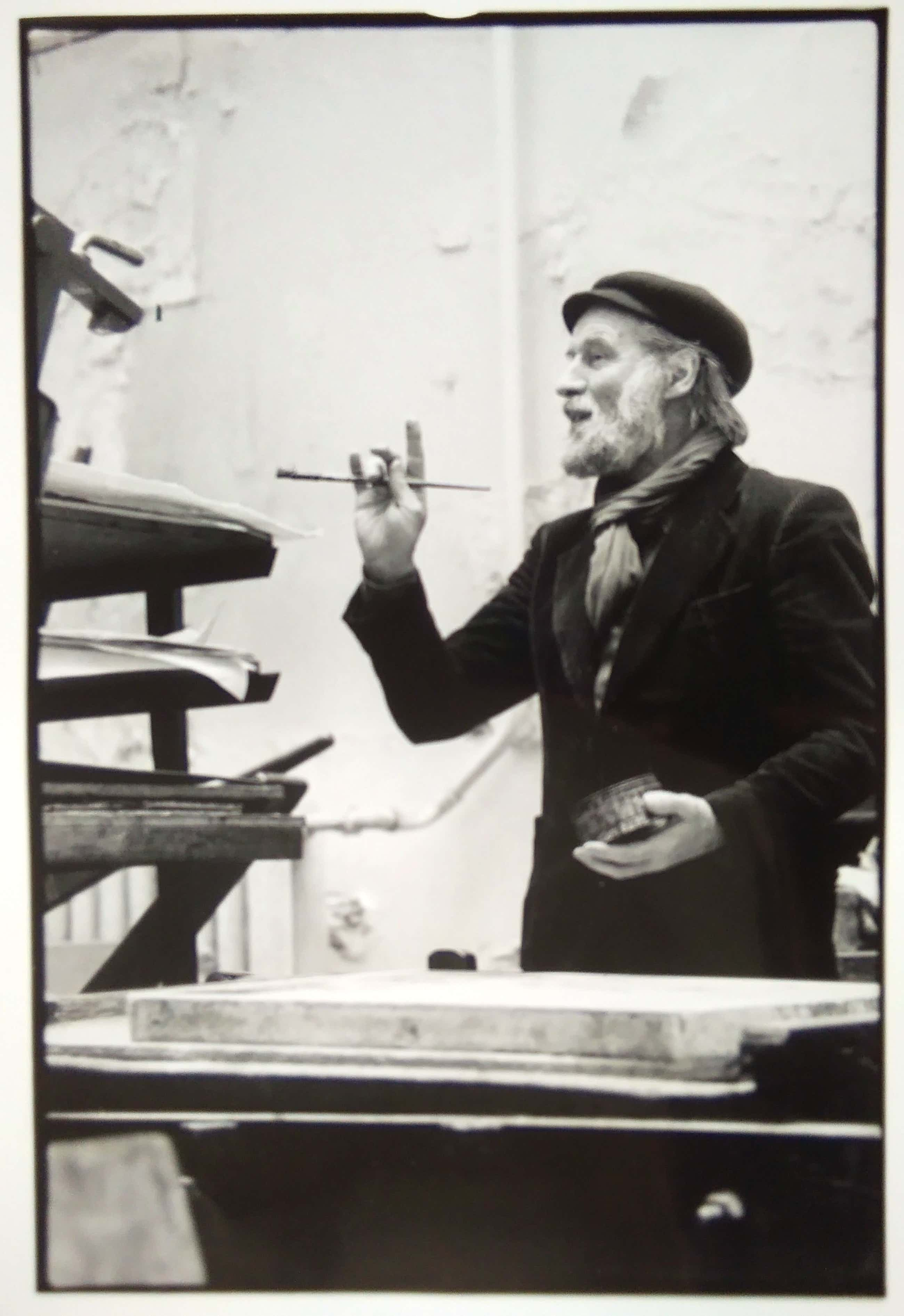 Nico Koster - Corneille schilderend. kopen? Bied vanaf 50!