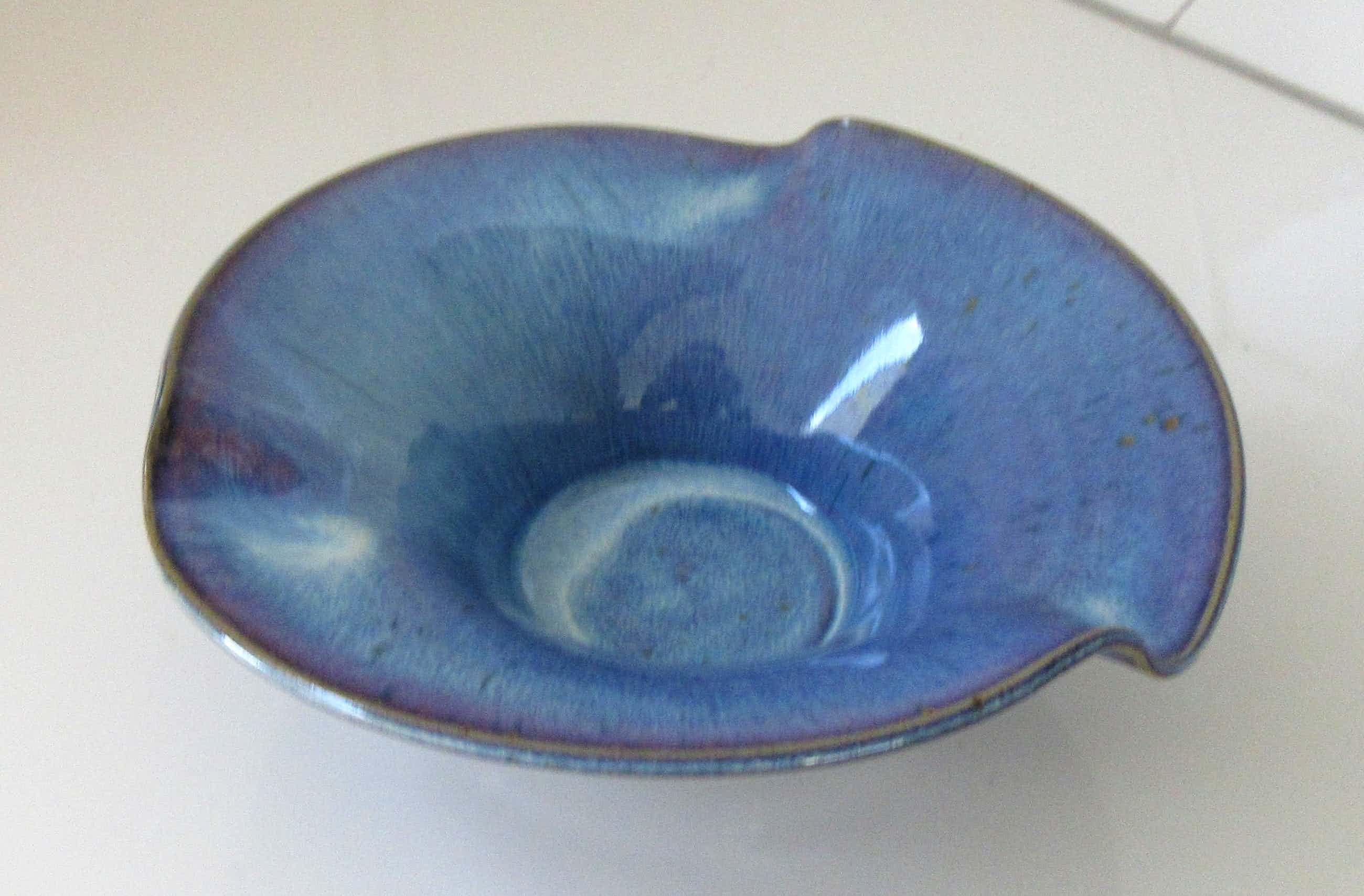Ed Meissenberg - Studio Keramische schaal met blauw en lila stroomglazuur kopen? Bied vanaf 25!