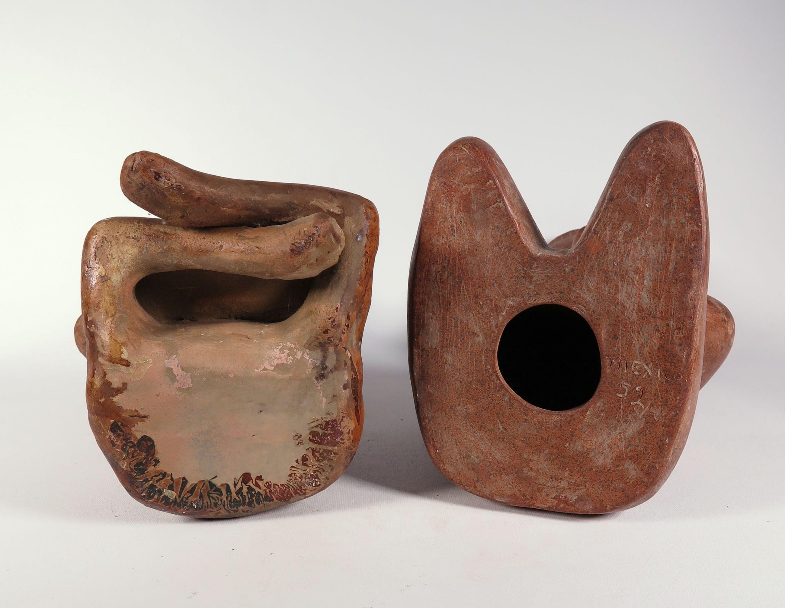 Niet of onleesbaar gesigneerd - Terracotta, Lot van twee sculpturen kopen? Bied vanaf 10!