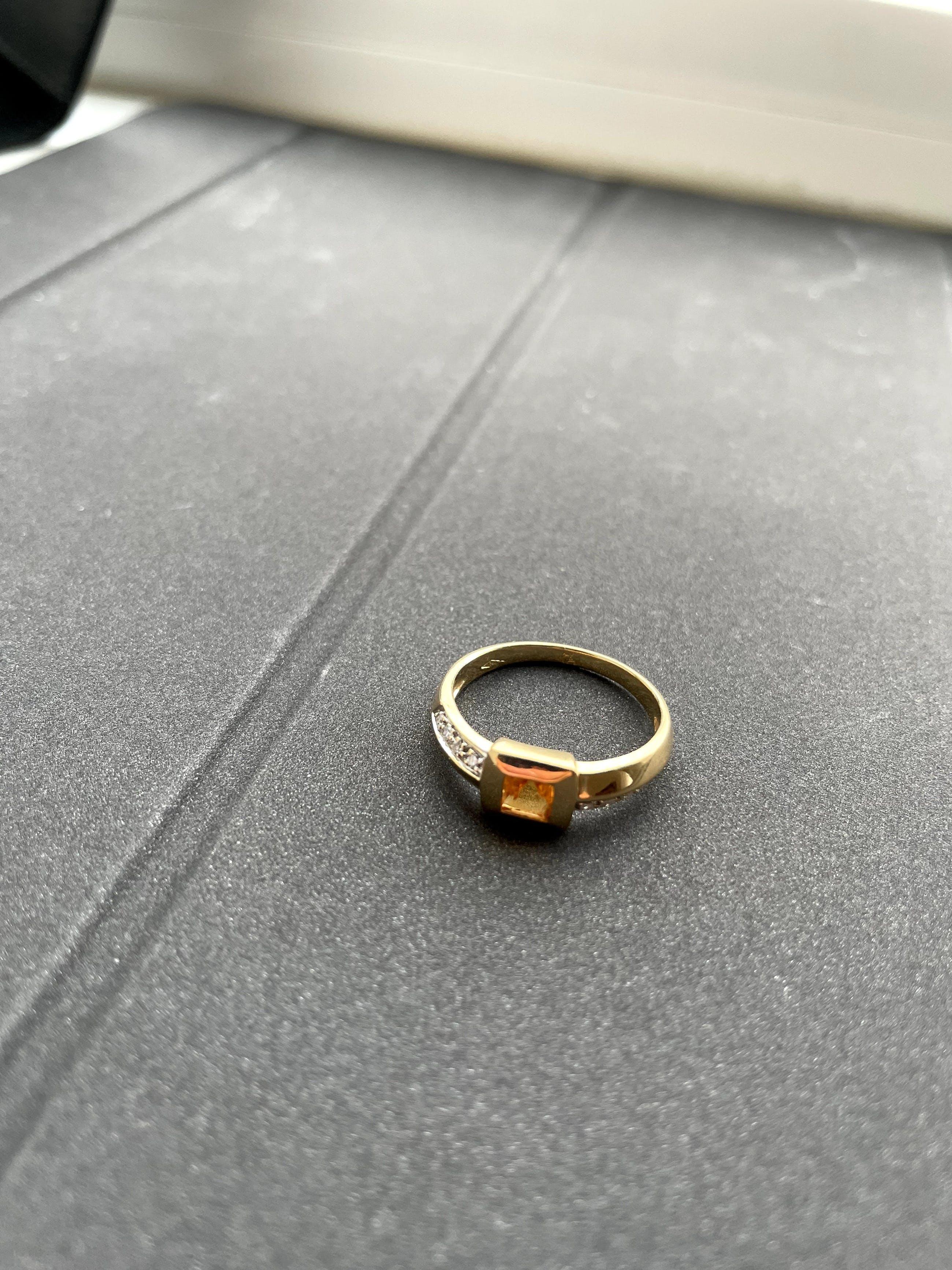 18kt gouden diamanten ring+citrien, maat 58,18,50, 3,70 gr kopen? Bied vanaf 170!