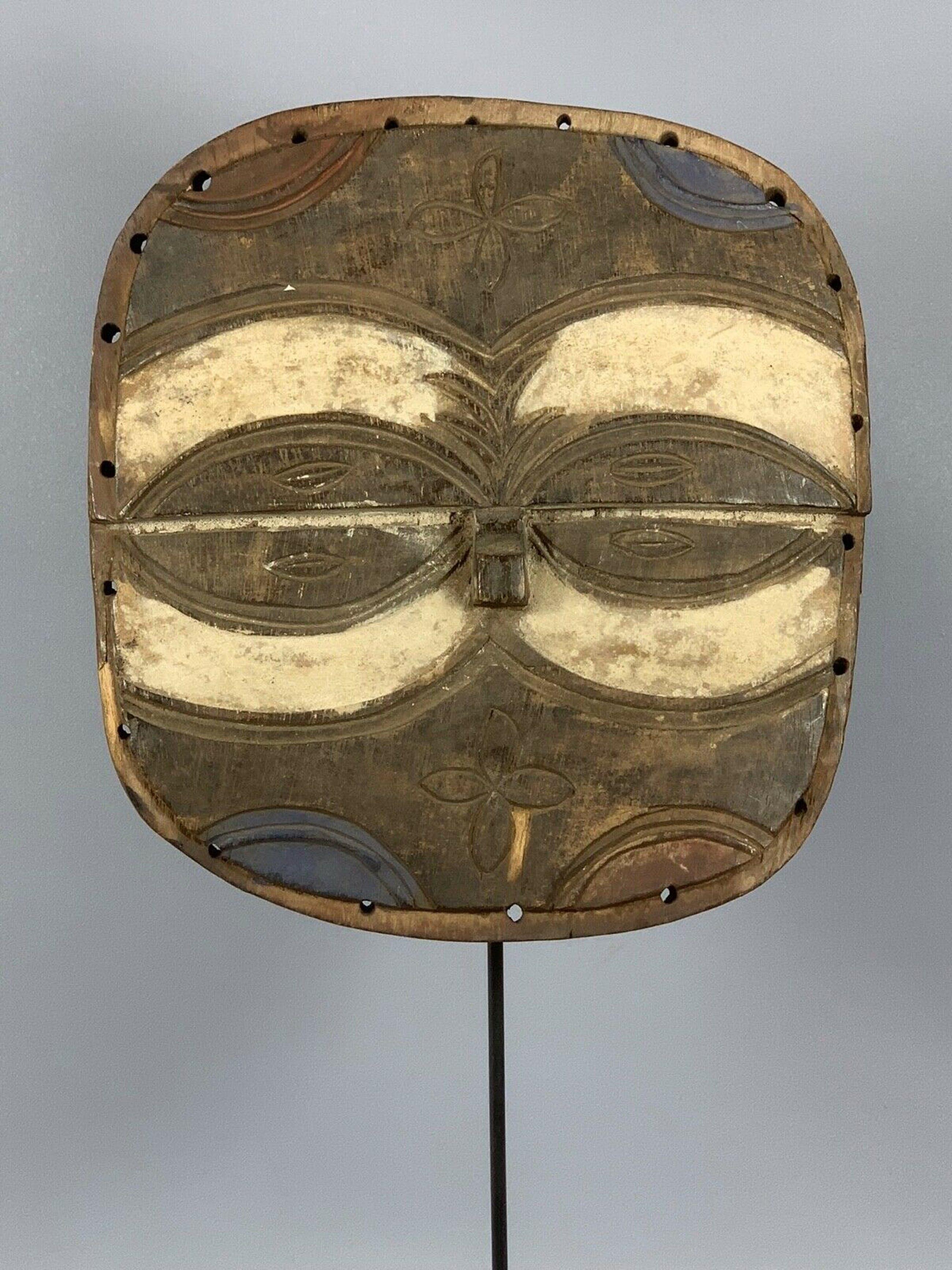 Dogon - 190402 - old Tribal used African Bateke mask - Congo. kopen? Bied vanaf 45!