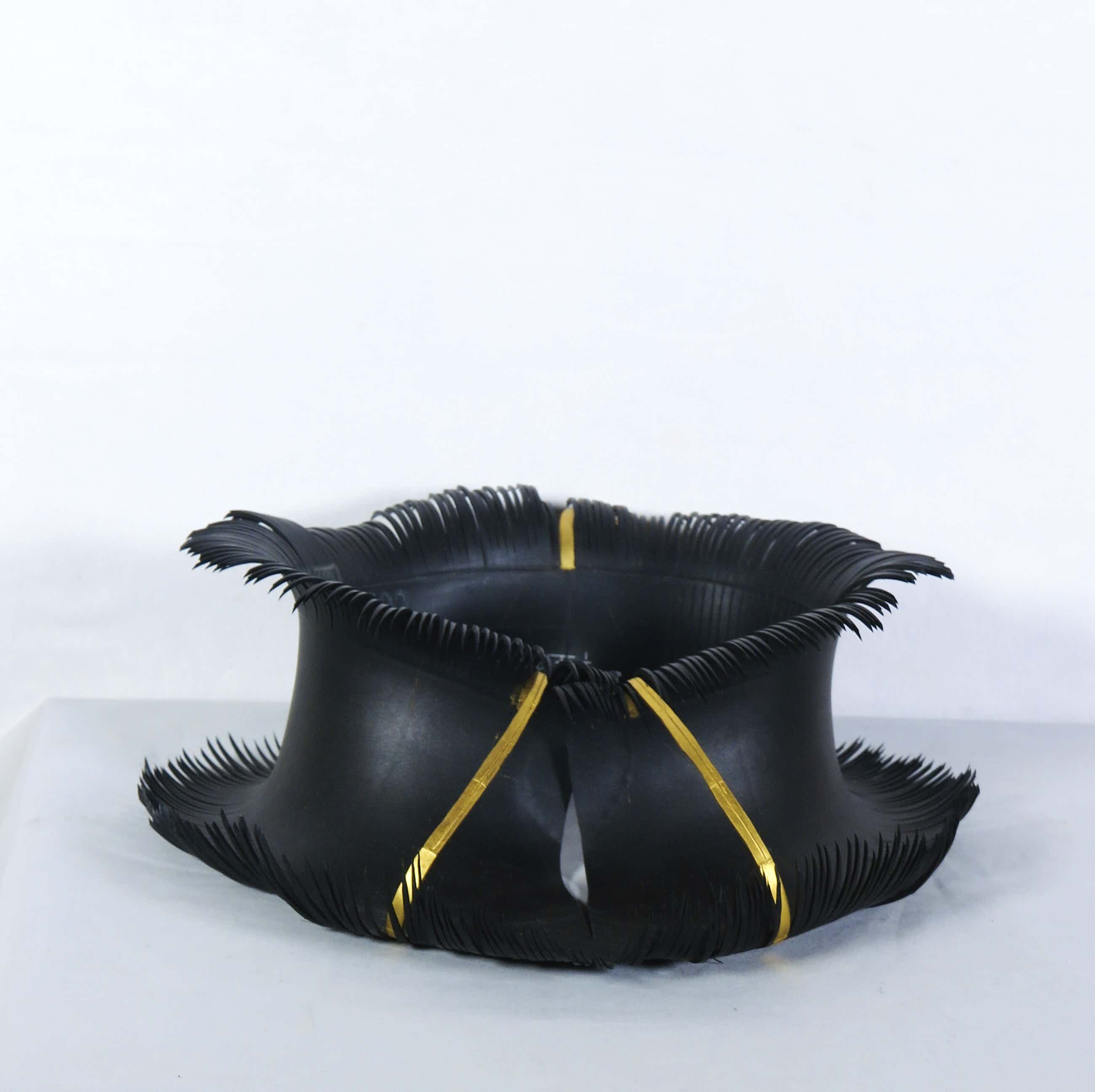 Thea Tolsma - Collier van rubber, Pilar (1/5) kopen? Bied vanaf 100!