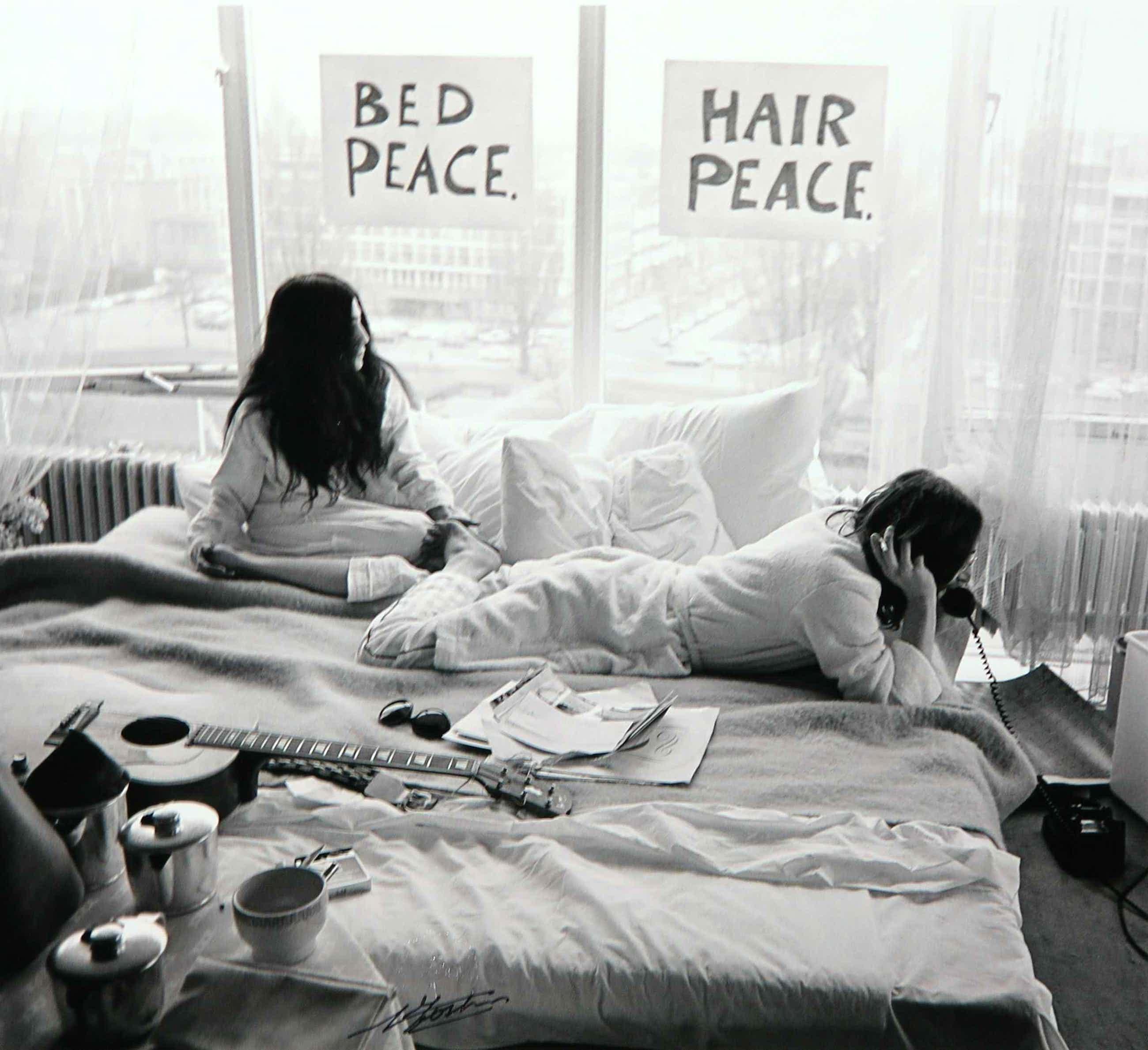 Nico Koster - Foto, John Lennon en Yoko Ono in het Hilton hotel kopen? Bied vanaf 160!