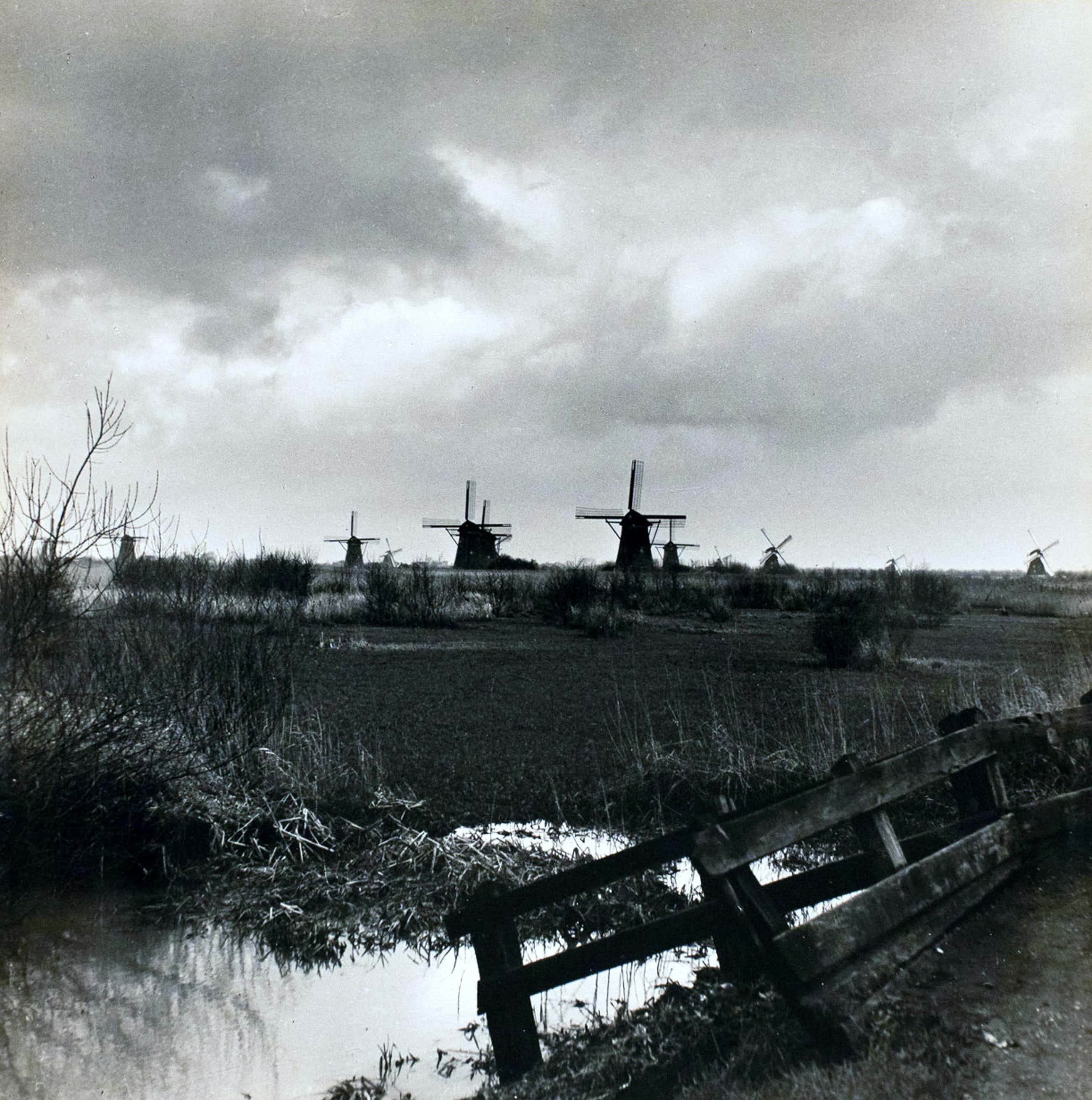 Cas Oorthuys - Zuid-Holland Lekkerkerk - originele foto op bariet-fotopapier kopen? Bied vanaf 50!